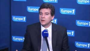 """PSA : Montebourg défend """"un investissement pour tous les Français"""""""