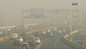 Le 20 heures du 15 mars 2014 : Pic de pollution : la circulation altern�mise en place en Ile-de-France - 119.89099999999999