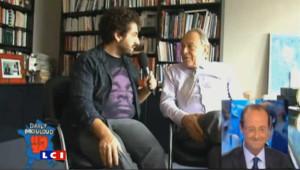 """Michel Rocard interrogé par Mouloud Achour dans le cadre de l'émission """"Le Grand Journal"""" pour Canal + a déclaré """"Cet homme là souffre d'une maladie mentale"""". Le 29 août 2011."""