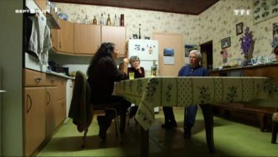 """Santé : aux mains du pouvoir des magnétiseurs, l'histoire de """"Mado Bobo"""""""