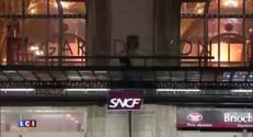 Trafic interrompu sur le RER A : les images de la gare Saint-Lazare bondée