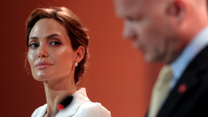 Angelina Jolie a organisé un sommet sur les violences sexuelles à Londres le 10 juin 2014