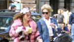 Jennifer Saunders et Joanna Lumley sur le tournage d'Absolutely Fabulous en septembre 2002.