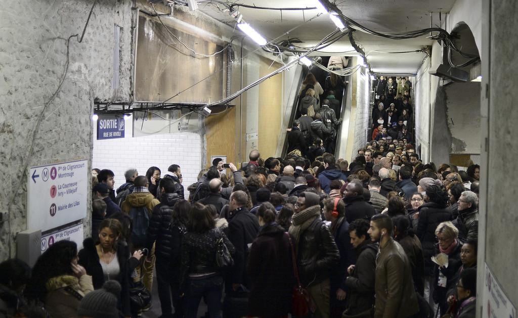 Ile-de-France : trafic quasi nul sur le RER A après l'agression ... - TF1