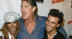 David Hasselhoff et Jeremy Jackson, de la série Alerte à Malibu, à Los Angeles en octobre 2006.