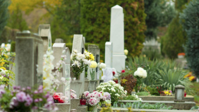 mort tombe cimetière décès deuil toussaint démographie