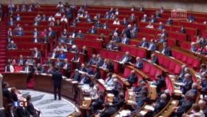 """Trois ans de l'élection de Hollande : Valls """"défend le bilan"""" à l'Assemblée nationale"""