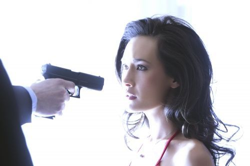 Nikita (2010). Srie cre en 2010. Avec : Maggie Q, Lyndsy Fonseca, Shane West et Aaron Stanford.