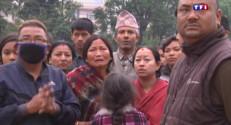 Le 20 heures du 26 avril 2015 : Séisme dévastateur au Népal : le bilan approche les 2.500 morts - 247.34499999999997