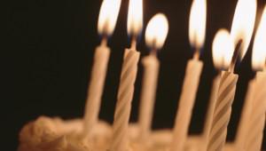 Un gâteau d'anniversaire.