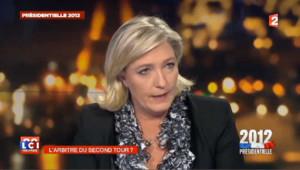 """Pour Marine Le Pen, Sarkozy et Hollande sont """"sur la même ligne"""""""