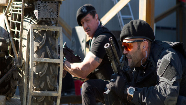 Sylvester Stallone et Jason Statham dans le film Expendables 2 : unité spéciale