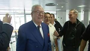 TF1/LCI : Jean-Marie Le Pen en déplacement à Calenzana (Corse)