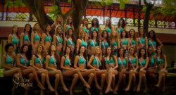 Miss France 2014 : les 33 candidates lors du traditionnel shooting de groupe au Sri Lanka.