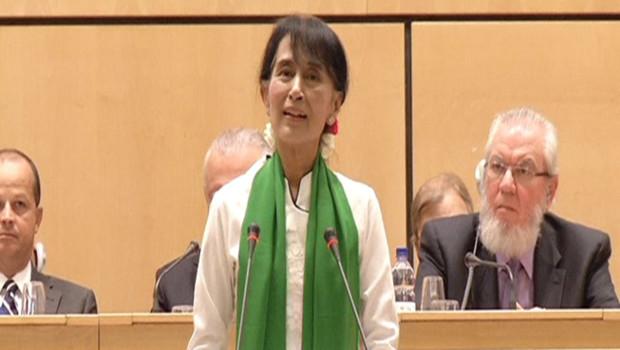 Aung San Suu Kyi prononce un discours devant la Conférence internationale du travail à Genève, 14/6/12