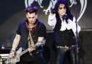 Johnny Depp et Alice Cooper en concert à Stockholm avec les Hollywood Vampires (mai 2016)