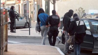 Le 20 heures du 27 janvier 2015 : Coup de filet antiterroriste à Lunel, le nid des jihadistes ? - 1204.9635485839847