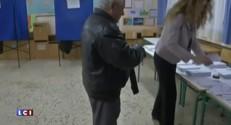 Les Grecs ont commencé à voter
