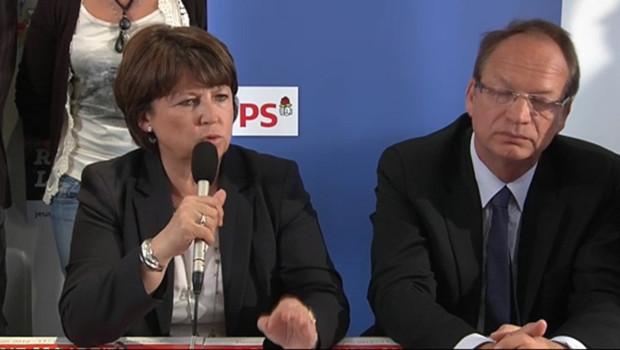 Martine Aubry en visite à Hénin-Beaumont pour soutenir le candidat PS, Philippe Kemel, pour les législatives 2012. Le 31 mai 2012.
