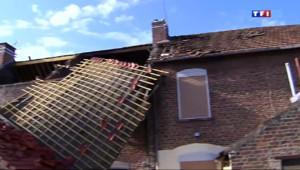 Le 13 heures du 11 août 2014 : Mini-tornade �andrecies : une quarantaine de maisons touch� - 75.75289367675782