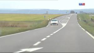 Le 13 heures du 21 janvier 2014 : Les automobilistes sceptiques sur la limitation �0km/h sur les routes - 1273.261