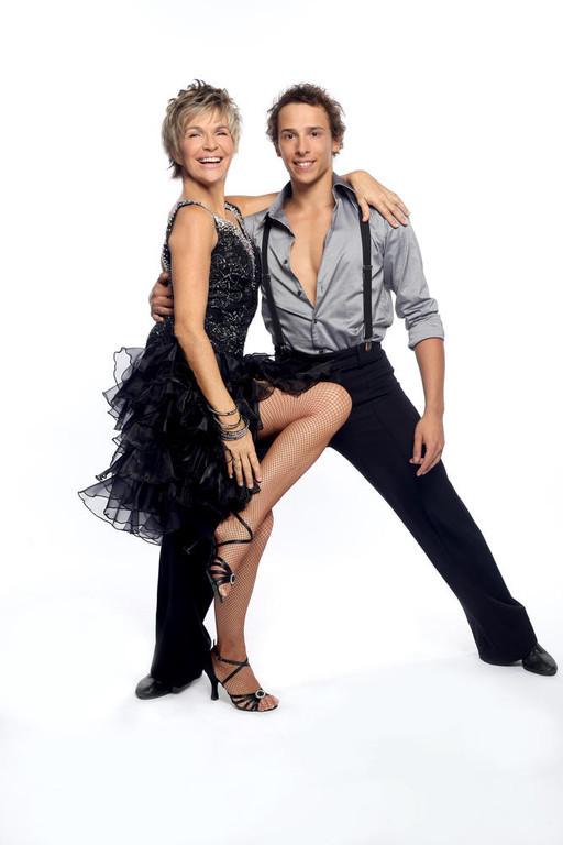 http://s.tf1.fr/mmdia/i/22/1/veronique-jannot-et-gregory-danse-avec-les-stars-2-10560221rqbfv_1879.jpg
