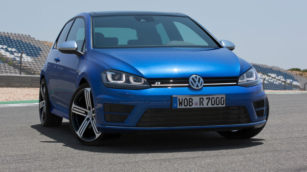 http://s.tf1.fr/mmdia/i/22/1/volkswagen-golf-r-version-de-300-ch-presentee-au-salon-de-francfort-10974221wwpst_2038.jpg?v=3