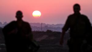 Le soleil se couche du côté de la bande de Gaza, à la veille d'une trêve de 72 heures acceptée par Israël et le Hamas. (04/08/2014)