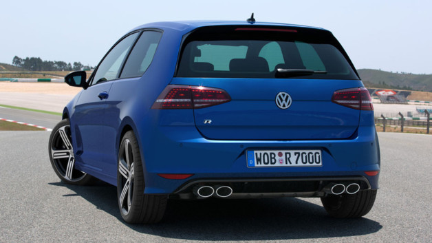 http://s.tf1.fr/mmdia/i/22/2/volkswagen-golf-r-version-de-300-ch-presentee-au-salon-de-francfort-10974222ogdts_2038.jpg