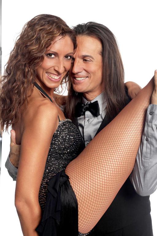 http://s.tf1.fr/mmdia/i/22/5/francis-lalanne-danse-avec-les-stars-2-10560225dqhuu_1879.jpg