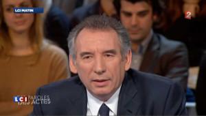 """L'espoir de Bayrou """"n'est pas de rallier Hollande mais de le battre"""" au 2nd tour"""