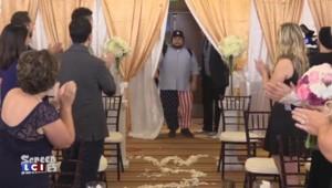 """Dwayne Johnson, """"The Rock"""", organise le mariage surprise d'un de ses fans"""