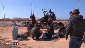 Libye: les forces de Kadhafi reprennent des villes