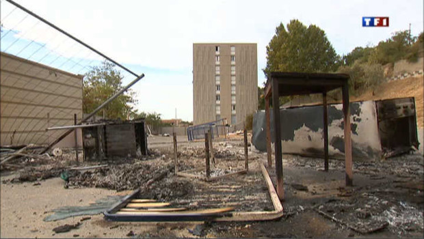 Marseille : des riverains évacuent un camp de roms
