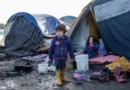 Un enfant dans le camp de Grande-Synthe