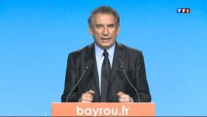 """Bayrou : les autres candidats ne parlent que de """"sujets frivoles"""""""