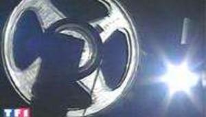 Un projecteur de cinéma dans la lumière