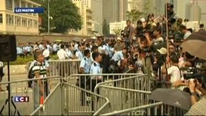 Hong Kong : le chef du gouvernement local refuse de démissionner