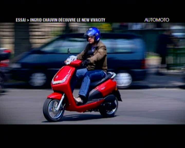vid o automoto essai moto le scooter peugeot vivacity 50cc avec ingrid chauvin mytf1. Black Bedroom Furniture Sets. Home Design Ideas