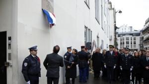 François Hollande dévoile une plaque en hommage aux victimes de Charlie Hebdo, 5/1/16