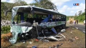 Le 13 heures du 18 juillet 2013 : Guyane : au lendemain de l%u2019accident de bus - 266.34900000000005