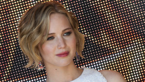 "Jennifer Lawrence au photocall de ""Hunger Games 3"" à Cannes le 17 mai 2014."
