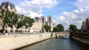 La Seine fleuve Paris tourisme touriste quais