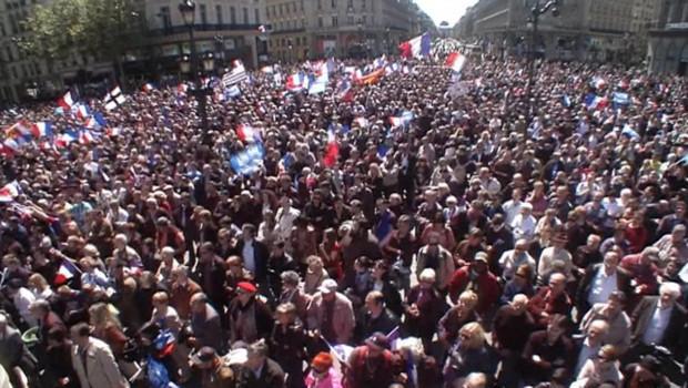 Rassemblement FN à Opéra, vu du ciel, le 1er mai 2012.