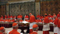 Les cardinaux-lecteurs se runiront en conclave  partir de mardi.