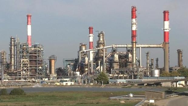 Une raffinerie en France