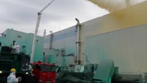 Fukushima : équipe d'intervention refroidissant un réacteur nucléaire endommagé