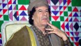 """Kadhafi chercherait """"une porte de sortie"""""""