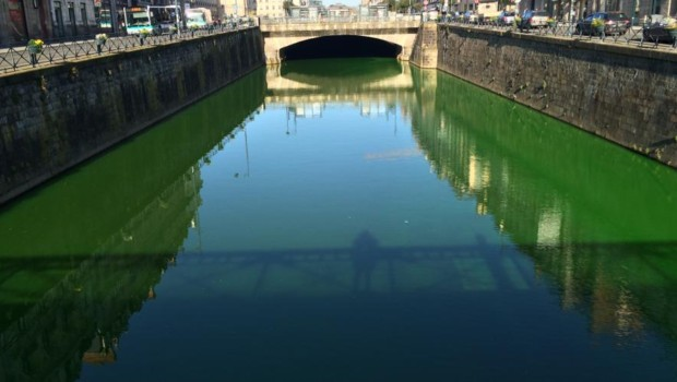 La Vilaine colorée en vert fluo.