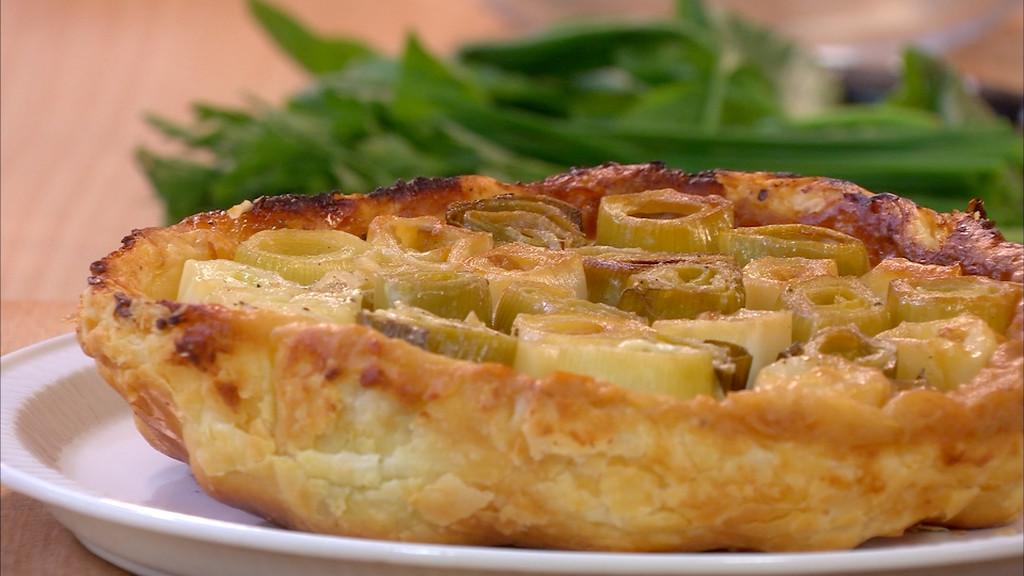 Tarte renvers e aux poireaux au brillat savarin petits - Recette cuisine tf1 petit plat en equilibre ...